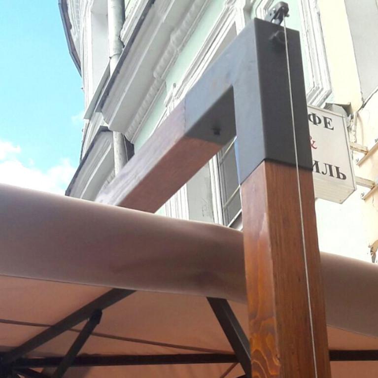 Зонт с боковой деревянной опорой ДС 75 4Л 2,5х2,5 метра